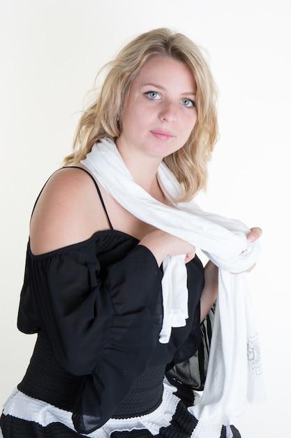 Frau jung und hübsch aussehende Premium Fotos
