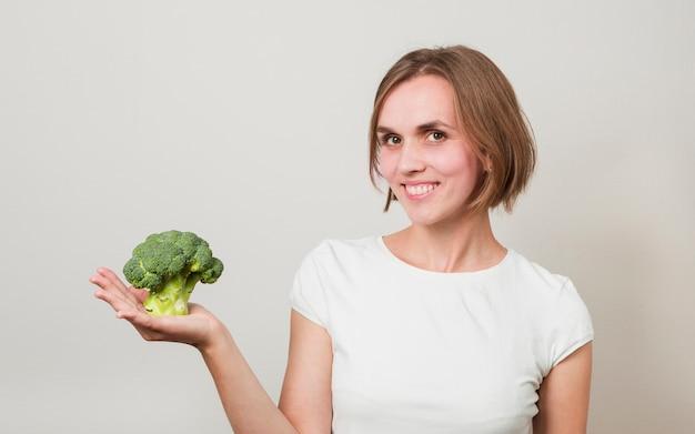 Frau mit essen Kostenlose Fotos