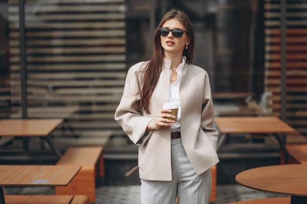 Frau mit kaffee Kostenlose Fotos
