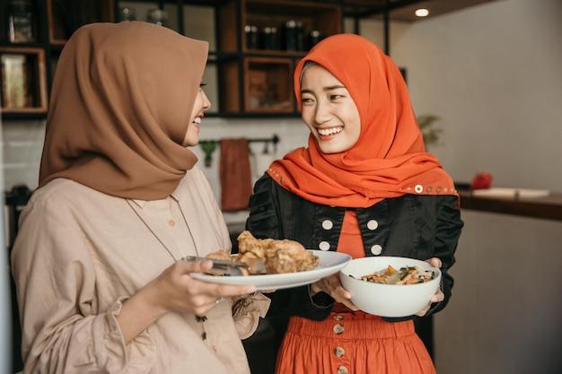 Ihre Engelsgleiche Freundin Essen