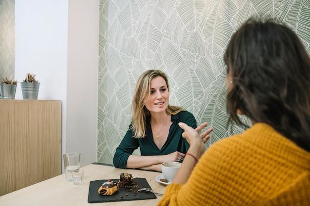 rede kostenlos mit Frauen