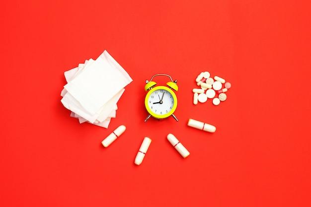 Frauengesundheitskonzeptfoto, einige aspekte des wellness der frauen in der monatlichen periode. Premium Fotos