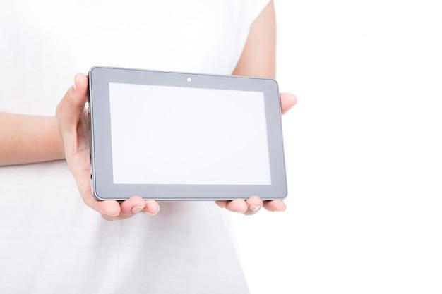Frauenhand, ein touchscreen-gerät vor weißem hintergrund mit Kostenlose Fotos
