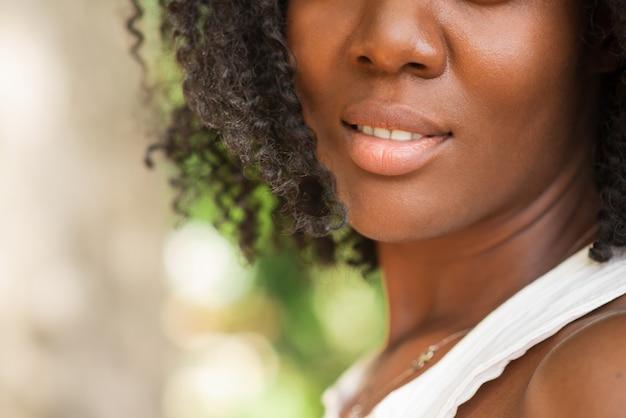 Bild einer schönen schwarzen Frau
