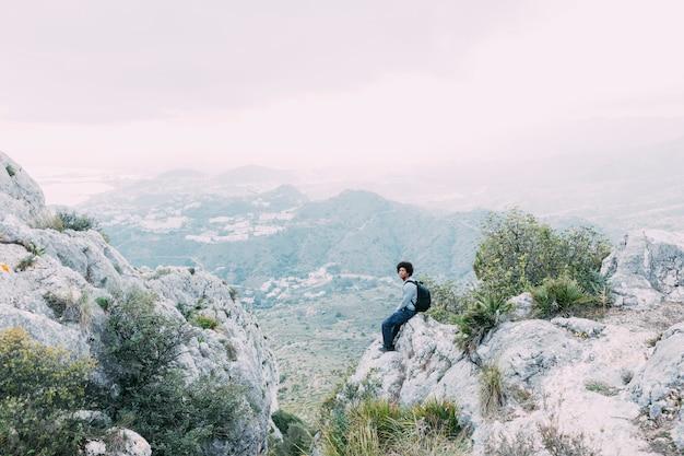 Freiheitskonzept mit wanderer auf berg Kostenlose Fotos