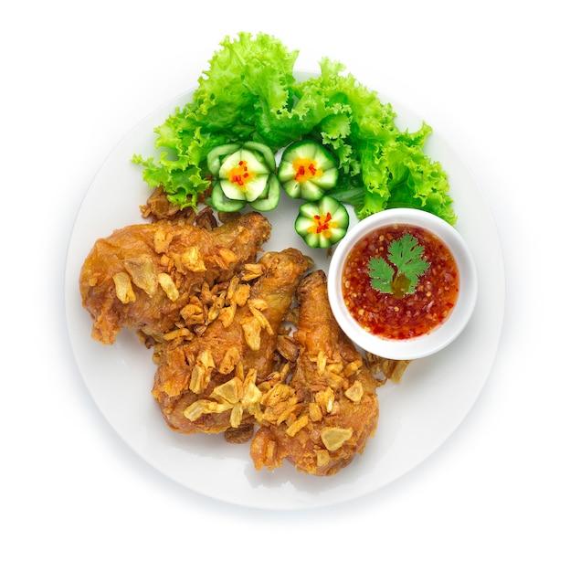 Fried chicken drumsticks knusprige haut mit knusprigem knoblauch Premium Fotos