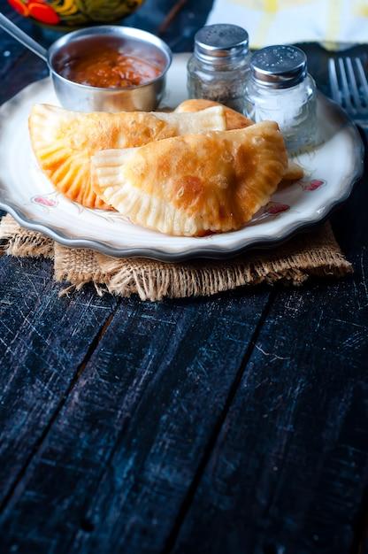 Frisch gebackene pasteten Premium Fotos