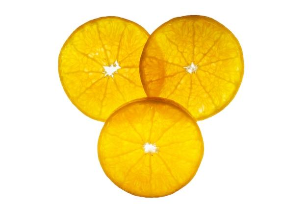 Frische geschnittene saftige orange frucht stellte über weiß- tropische orange fruchtbeschaffenheit für gebrauch ein Kostenlose Fotos