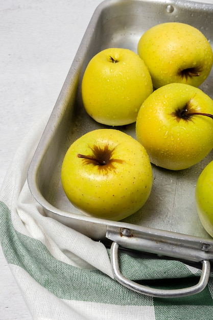 Frische grüne äpfel Premium Fotos