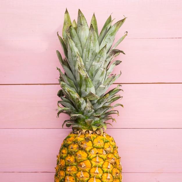Frische reife ananas der nahaufnahme Kostenlose Fotos