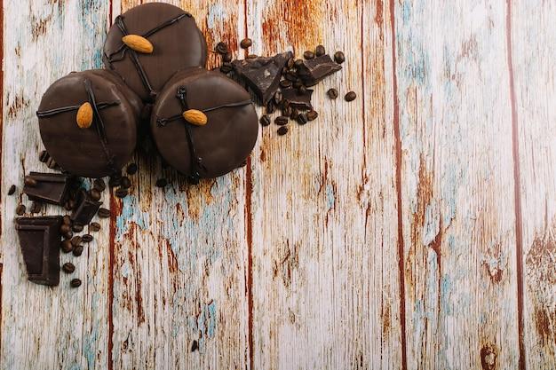 Frische schokoladenminikuchen Kostenlose Fotos