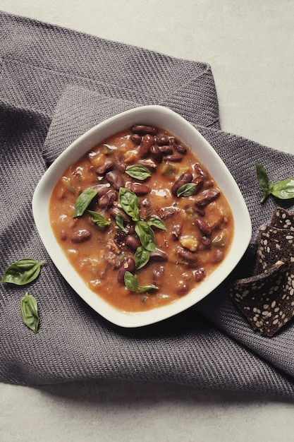 Frische suppe mit gewürzen Kostenlose Fotos