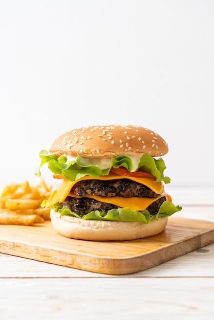 Frischer leckerer burger Premium Fotos
