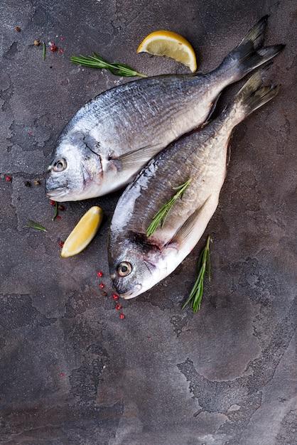 Frischer roher fisch Premium Fotos