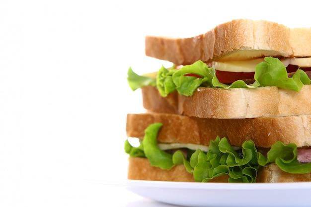 Frisches sandwich mit gemüse und tomaten Kostenlose Fotos