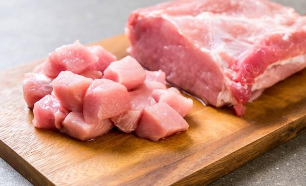 Frisches schweinefleisch rohes filet Premium Fotos