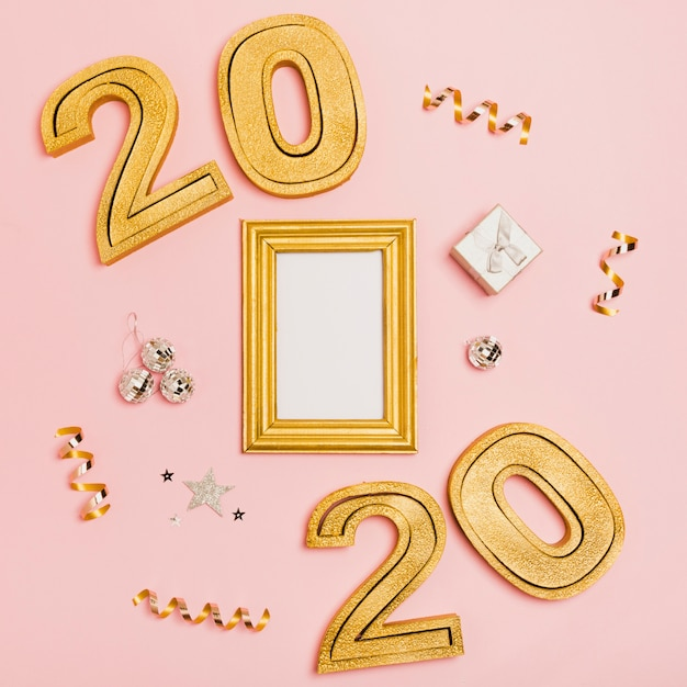 Frohes neues jahr mit zahlen 2020 und mock-up kopie raum Kostenlose Fotos