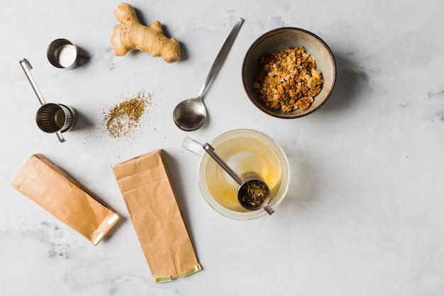 Frühstück mit müsli Kostenlose Fotos