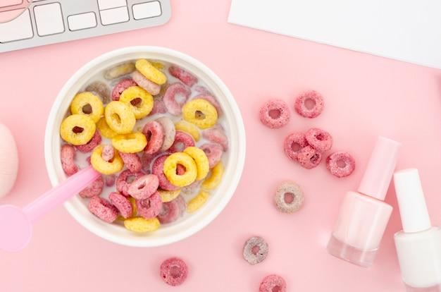 Frühstücksflocken und nagellack Kostenlose Fotos