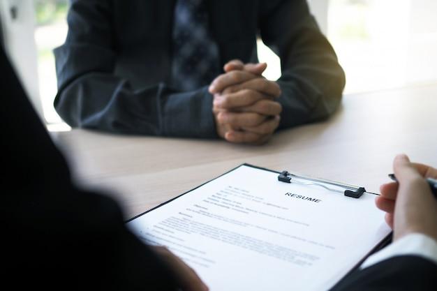 Führungskräfte interviewen kandidaten Premium Fotos