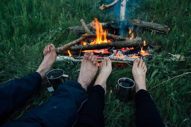 Füße freunde in flammen Premium Fotos