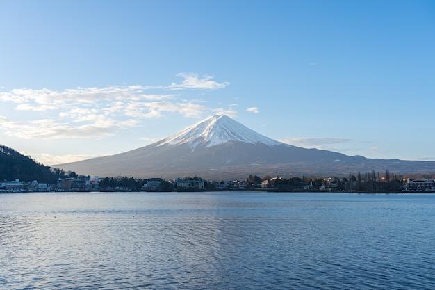 Fujisan berg mit see in kawaguchiko, japan. Premium Fotos