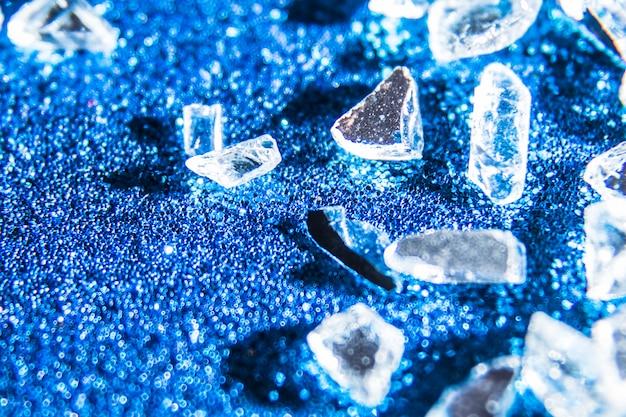 Funkelnbeschaffenheitshintergrund mit kristallen Kostenlose Fotos