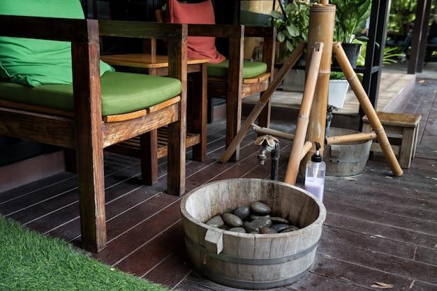 Fuß sauber vor der massage im spa Premium Fotos