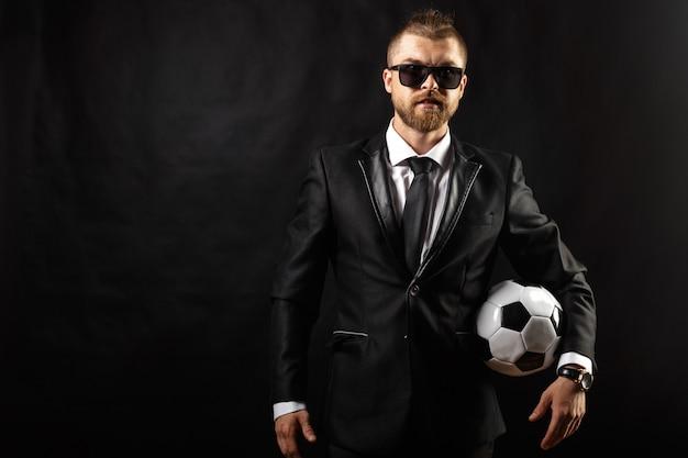 Fußball sport manager im anzug Premium Fotos