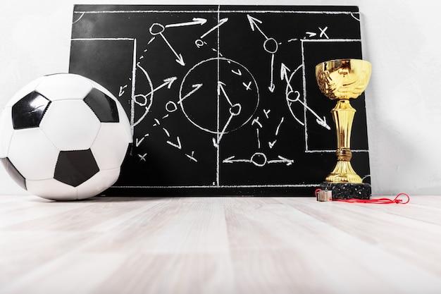Fußballplankreidetafel mit bildungstaktik Premium Fotos