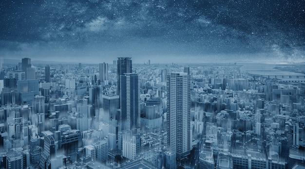 Futuristische blaue intelligente stadt nachts, sternenklarer himmel Premium Fotos