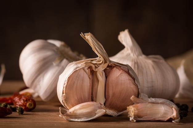 Garlics in der küche Kostenlose Fotos