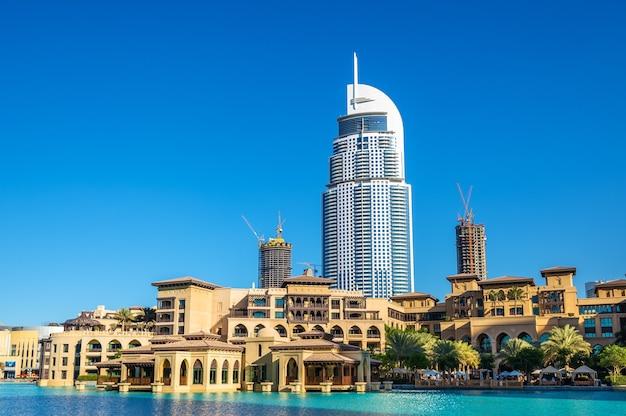 Gebäude auf der altstadtinsel in dubai, den vereinigten arabischen emiraten Premium Fotos