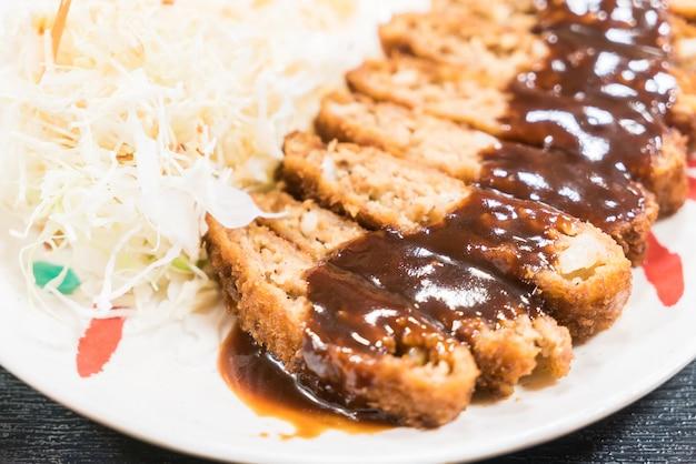 Gebratenes schweinefleisch mit süßer sauce Kostenlose Fotos