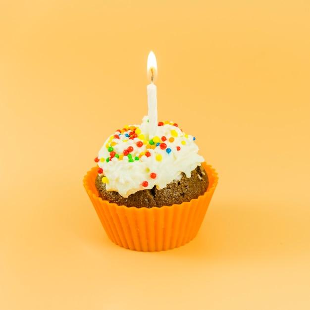 Geburtstag cupcake mit kerze Kostenlose Fotos
