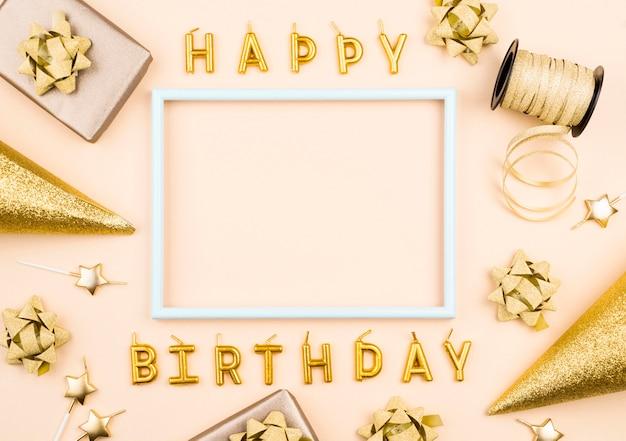 Geburtstagskerzen mit geschenk flach legen Premium Fotos