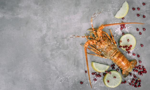 Gedämpfte hummer meeresfrüchte Premium Fotos