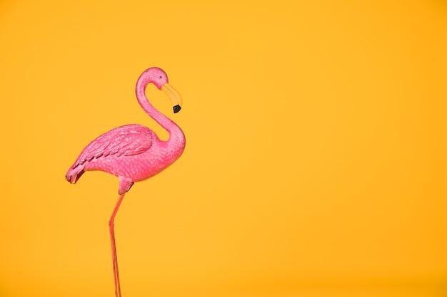 Gefälschter rosa flamingo allein Kostenlose Fotos