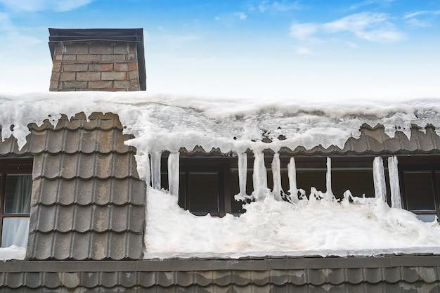 Gefrorener dachnahaufnahmedetailhintergrund Premium Fotos