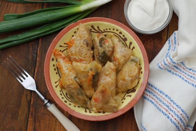Gefüllte kohlrouladen mit fleisch. Premium Fotos