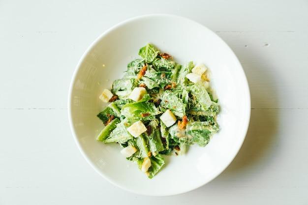 Gegrillt cäsarsalat Kostenlose Fotos