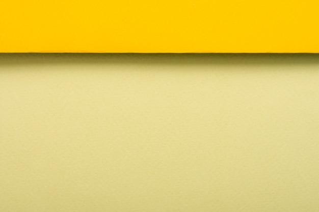 Gelb getönten papierbögen mit textfreiraum Kostenlose Fotos