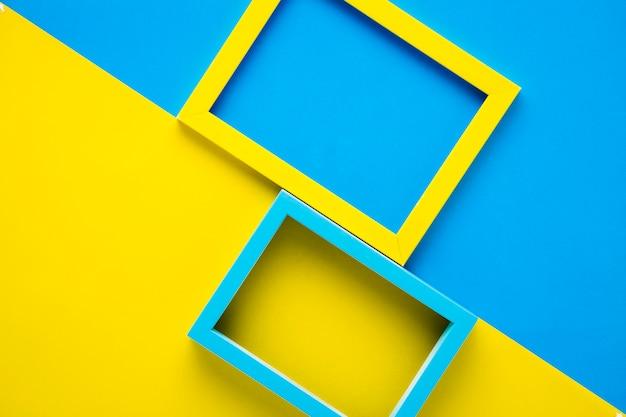 Gelbe und blaue felder auf zweifarbigem hintergrund Kostenlose Fotos