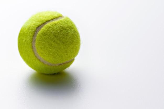 Gelbgrüner tennisball Premium Fotos