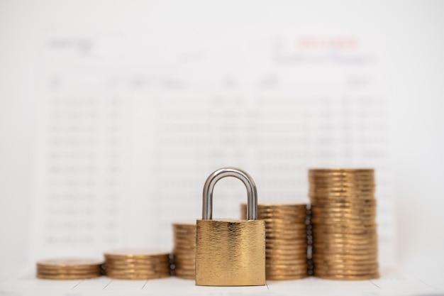 Geld- und sicherheitskonzept Premium Fotos