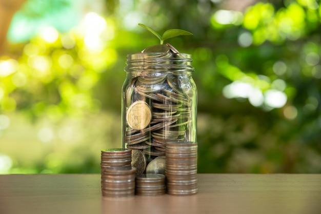 Geldmengenwachstum geld sparen. Premium Fotos