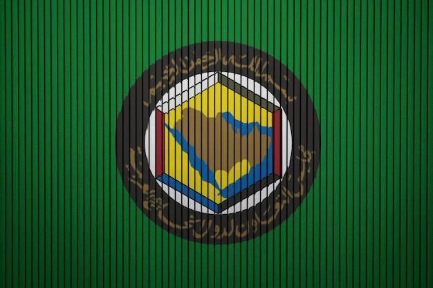 Gemalte flagge von gcc auf einer betonmauer Premium Fotos