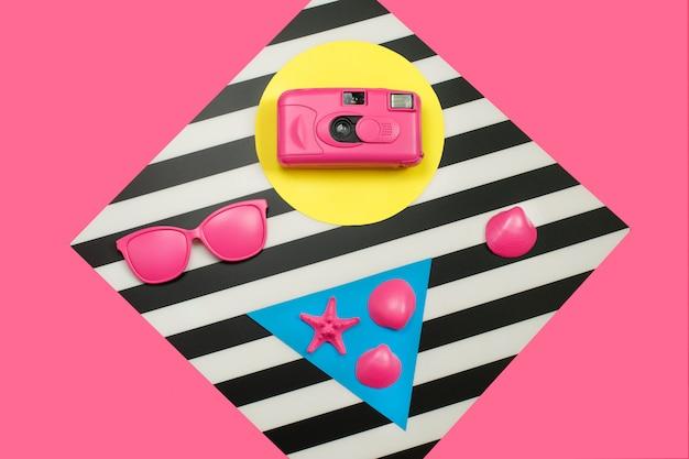 Gemalte rosa mode-filmkamera Premium Fotos