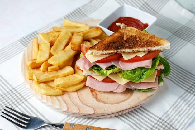 Gemüsesandwich mit käse Premium Fotos