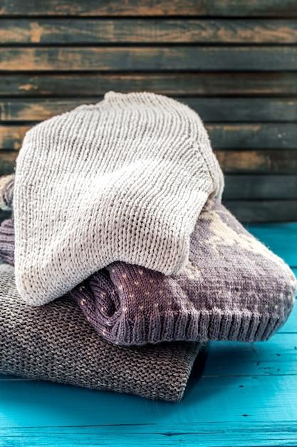 Gemütlicher und weicher pullover in einer schönen verzierung Kostenlose Fotos